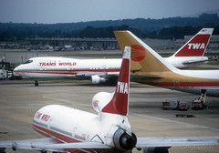 TWA. (Longreach - Jonathan McDonnell) Tags: london 1987 continental scan boeing lockheed 1980s boeing747 747 twa continentalairlines nikoncoolscanved scanfromaslide transworldairlines lockheedtristar