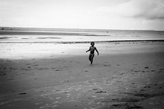 _MG_2554 (anderson boeira) Tags: praia beach kid photojournalism documentary streetphoto rua criana fotojornalismo fotografiadocumental
