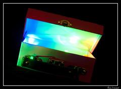 Valise de couleurs (bbgflo) Tags: couleur vie valise