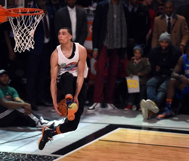 Timberwolves rookie Zach LaVine dominates slam dunk contest