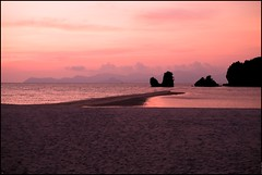 160423 Langkawi Sunset 82 (Haris Abdul Rahman) Tags: travel family sunset vacation malaysia langkawi kedah tanjungrhu tanjungrhuresort sunsetpool harisabdulrahman harisrahmancom fotobyhariscom langkawitripapril2016