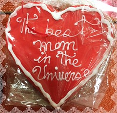 Happy Mother's Day (Renee Rendler-Kaplan) Tags: red white holiday mom ma words cookie forsale sweet framed mother may mama packaged meme northshore bakery bow aviary iced treat script wbez consumerist cellophane iphone winnetka chicagoist 2016 thegrand bagged happymothersday chicagoreader icedcookie winnetkaillinois bakerygoods reneerendlerkaplan thebestmomintheuniverse