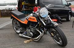 Old School Suzuki (Fast an' Bulbous) Tags: santa england test bike race speed drag pod track power outdoor fast strip moto motorcycle biker suzuki jap rwyb motorsport