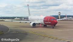 Norwegian Air | EI-FHC | Boeing 737-800 (aodhgn_tuohy) Tags: london airplane lights airport ramp aircraft aviation air norwegian international vehicle boeing beacon gatwick livery 737800 cfm b738 eifhc