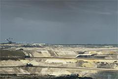 Grave digging (herman van hulzen) Tags: germany deutschland explore duitsland inden dagbouw bruinkool hermanvanhulzen lignitesurfacemining