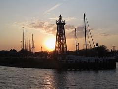 Enkhuizen (Priska B.) Tags: holland sonnenuntergang nl hafen enkhuizen leuchtturm niederlanden