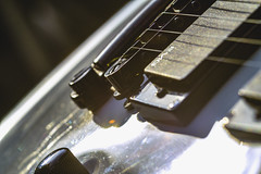 Playing With Light & Music. (Grf f the Pp [@Grfbd]) Tags: music macro guitar lensflare canoneos70d