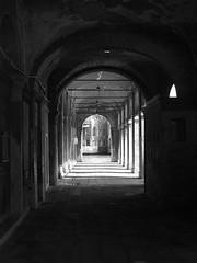 Campo Erberia arcade, Rialto (San Polo), Venezia,  Italy (Ministry) Tags: venice italy italia arch arcade di campo palazzo venezia rialto veneto canalgrande sangiacomo sanpolo lionmorosini campoerberia bolanierizzo