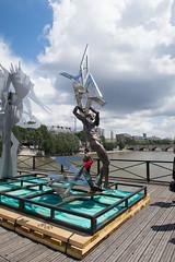 IMG_0456.jpg (mgroot) Tags: paris france art statue ledefrance fr pontdesarts paris2016