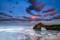 Batu Bolong Temple (Helminadia Ranford) Tags: bali temple batubolong sunrise nature travel indonesia outdoor