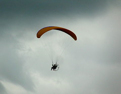 Rebel flyer (Librarianguish) Tags: flying flyer parasail wtf airborn 413 rebelflyingmachine