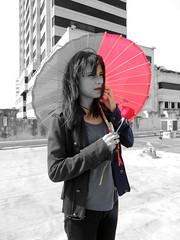 Missing colors (Baha_Z) Tags: red roses white black umbrella