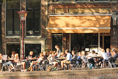 Prinsengracht - Amsterdam (Netherlands) (Meteorry) Tags: summer holland netherlands caf amsterdam bar restaurant canal europe terrace centre nederland thenetherlands terrasse july center prinsengracht forge t paysbas centrum noordholland gracht stadsarchief forger northholland meteorry smederij 2013 mashua contrefaire prinsengracht703