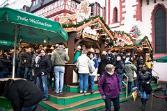 A Line for Mulled Wine (Nolte Photo) Tags: christmas people green drunk germany deutschland europe farmersmarket market drink frankfurt crowd christmasmarket german alcohol mulledwine gluhwein applewine froheweihnachten germanchristmasmarket frankfurtchristmasmarket gluewine