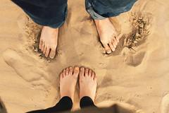 (Biancabltran) Tags: espaa beach valencia spain sand playa arena barefoot pies pasos