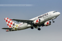 LIL - Airbus A319-112 (EI-FMT) Volotea Airlines (Aro'Passion) Tags: train canon photography airport photos first volo airbus lil rotation lille airlines han rotate a319 dcollage lfqq lesquin a319112 natw 60d aropassion monteinitiale volotea eifmt variopositif