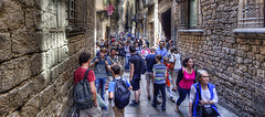 Tourists in Barcelona (Jan Kranendonk) Tags: barcelona street people spain alley europe crowd tourists spanish busy crowded