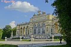 Gloriette, Wien, AUT (Original Loisi) Tags: schnbrunn vienna wien architecture austria architektur vienne autriche gloriette famousbuildings wienschnbrunn schnbrunnerschlosspark schnbrunncastle viennaschnbrunn schnbrunnerschlospark berhmtebauwerke