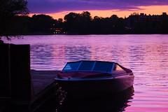 Boat (josejeanjulien) Tags: soleil place pont crpuscule couchant canot randonne