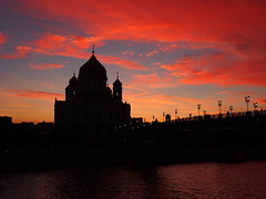 Cathedral of Christ the Saviour (Gio Cassavetes) Tags: bridge sunset church colors cathedral russia moscow olympus omd cathedralofchristthesaviour