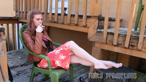 Smoking foot fetish
