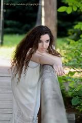 DSC_1486+ (SuzuKaze-photographie) Tags: portrait woman lyon bokeh femme parc swirly helios442 suzukazephotographie