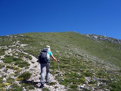 Beneath the summit of Pizzo Deta (markhorrell) Tags: walking lazio apennines montiernici