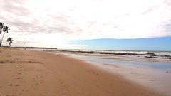 Praia de Buraquinho (ladgon) Tags: ocean praia beach oceanoatlantico