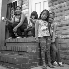(patrickjoust) Tags: fellspoint baltimore maryland mamiyac330s sekor80mmf28 kodakverichromepan100 developedinrodinal150 tlr twin lens reflex 120 6x6 medium format black white bw home develop film blancetnoir blancoynegro schwarzundweiss manual focus analog mechanical patrick joust patrickjoust usa us united states north america estados unidos autaut kids mother child front steps row house alley