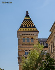 Leipzig, Zentrum, Dimitroffstraße (joergpeterjunk) Tags: leipzig zentrum outdoor architektur gebäude gebäudekomplex historisch fassade giebel canoneos50d canonef24105mmf4lisusm dimitroffstrase