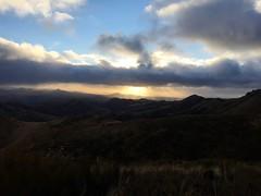 New Zealand Sunrise (Trey DeVries) Tags: newzealand cloud mountain grass sunrise landscape silverpeaks