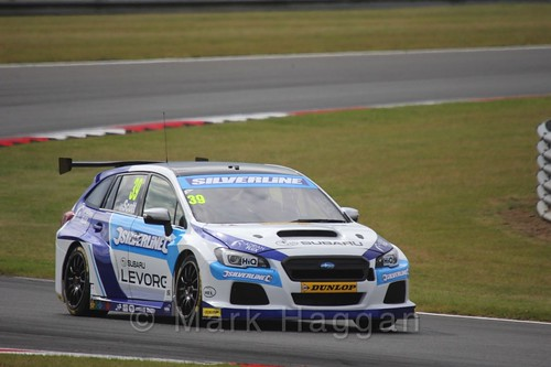 Warren Scott in Touring Car action during the BTCC 2016 Weekend at Snetterton