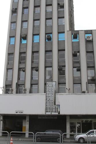 Liberdade meta photo of a building shaped like the building on the building with a picture of the building.