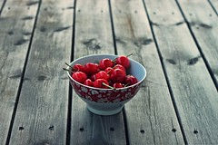 """""""Life is a bowl of cherries"""". (stjernesol) Tags: light red fruit evening berry cherries balcony fresh andiamtired yesterdaywasmarvellous warmandspringarrived andiateawholebowlofcherries ibaughtthemmostlybecauseiwantedtophotographthem itookabout50pictures thisiswithmy50mmlens ireallylikethebalconydeck ohanditsrainingagain"""