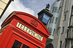 Signs of London (Eric Hands) Tags: history traditional telephonebox preservation wc2 policelamp agarstreet