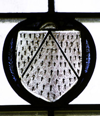 Stanford-on-Avon, St Nicholas, nVI, 2a, Shield of arms (gordonplumb) Tags: northamptonshire stainedglass medieval shields fragments stanfordonavonstnicholas