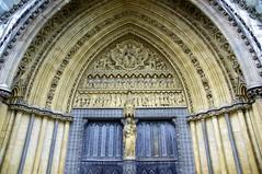 puerta (amilc4r) Tags: door london westminster abbey puerta sony londres a55 cetli
