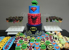Superheroes Cake and Toy Story Cupcakes and cookies (Mily'sCupcakes) Tags: city cookies jessie cake toy cupcakes spiderman woody superman story superheroes hulk gotic cakepops buzligthyear