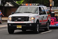 Montvale Fire Department Chief M10 (Triborough) Tags: ford expedition newjersey chief nj firetruck fireengine m10 firechief montvale mfd bergencounty chiefscar montvalefiredepartment