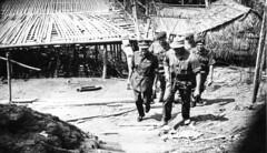 Visit by Major General Walker after Gumbang Attacks 1963 (Bootnecks) Tags: 42 indonesian commando 1963 rm confrontation gumbangsarawak gumbangborneo