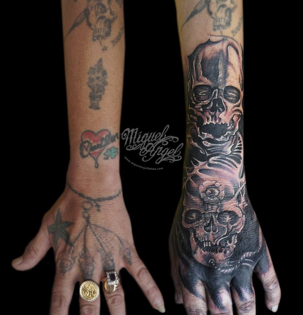 The world 39 s best photos of tlctattoo flickr hive mind for World in hands tattoo
