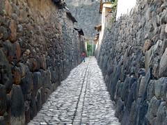 Ollantaytambo (dgans) Tags: street travel peru inca stone walls sacredvalley ollantaytambo quechua ganseetaperu2013