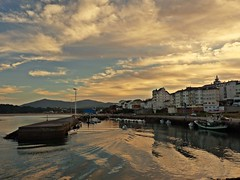 Foz-Lugo (Galicia-Espaa) (celicom) Tags: costa puerto atardecer muelle agua barcos galicia lugo foz cantabrico amaria costalucense amarialucense siemprejesusdolores