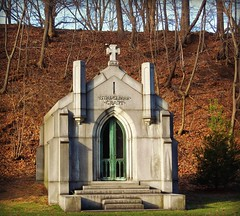 Historic Glendale Cemetery - Akron, Ohio (bjebie) Tags: door ohio cemetery cross grant tomb gothic mausoleum burial endoflife glendalecemetery akronohio stadelman akronruralcemetery