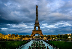 Trocadero Fountains (davecurry8) Tags: nightphotography sunset paris france fountain night eiffeltower trocadero