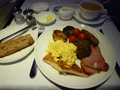 201411014 BA117 LHR-JFK breakfast (taigatrommelchen) Tags: food breakfast airplane inflight first meal britishairways baw b747400 flyingmeals gcivo ba117 ruhlhr 20141147