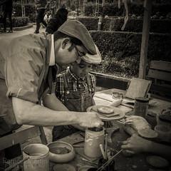 Artesano de la Arcilla (Mis fotografas ...!!) Tags: 1900 modernisme artista fira terrassa alfarero modernista artesano arcilla firamodernista parcsantjordi firamodernistaterrassa2016 firamodernistatrs2016 xivfiramodernista parcsantjorditerrassa