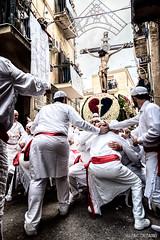 La festa del SS. Crocifisso a Monreale (Massilo) Tags: rose sicily fiori palermo sicilia monreale confraternita fedeli sscrocifisso uomimi