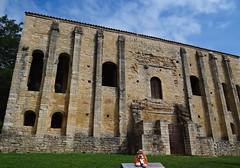 Santa M del Naranco, Oviedo, Espaa.  S.IX (Caty V. mazarias antoranz) Tags: asturias unesco oviedo romnico santamaradelnaranco montenaranco patrimoniodelaunesco