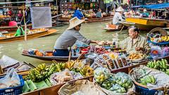 thailand-floating-market.jpg (toannguyen230187) Tags: travel people food fruits river asian thailand boats outdoors place market bangkok famous floating landmark destination adults exteriors saduak amphawa damoen